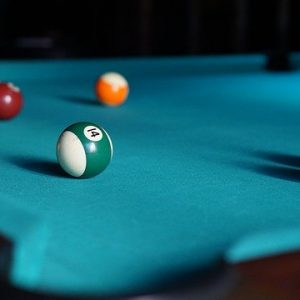 Mesas Pool